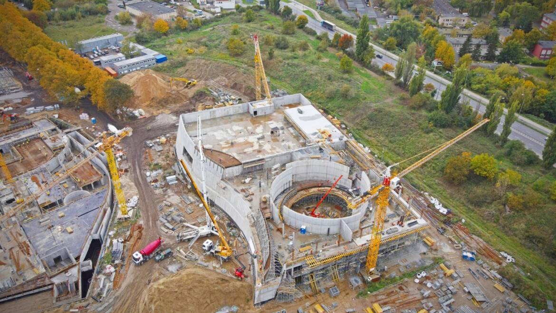 Rok na budowie Fabryki Wody